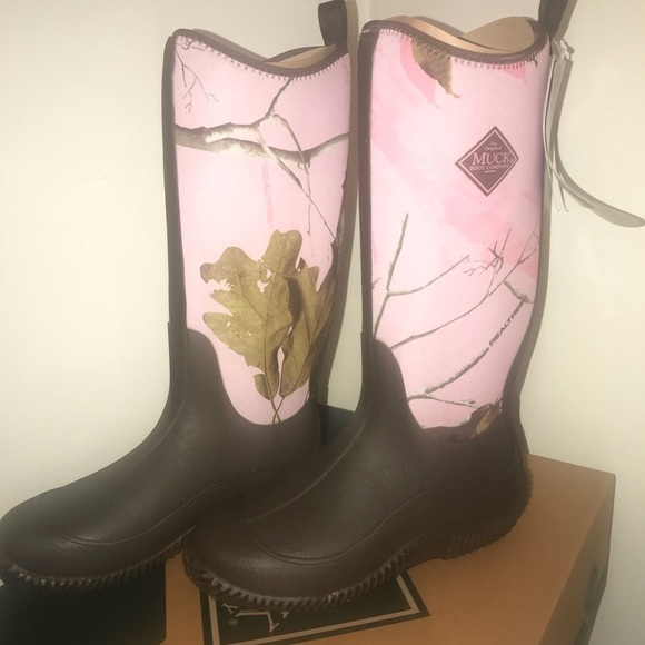 f1b217e4f3bd Real Tree Women s Muck Boot size 8 pink and brown